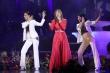 Bỏ sân khấu xuống với khán giả, Mỹ Tâm được gọi 'ca sĩ khỏe nhất đêm nay'