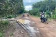 Lùm xùm chuyện con đường 'mặc kệ' hàng trăm nhà dân, đi thẳng vào rừng cao su