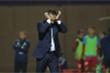 HLV ngoại khổ sở ở V-League: Bị cầu thủ đòi sa thải, bay ghế khi chưa ra mắt