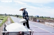 Ảnh: Nhọc nhằn nghề làm muối của diêm dân Thái Bình dưới nắng nóng 40 độ C