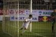 Kiatisak thắng trận đầu tiên, cầu thủ HAGL cảm ơn bầu Đức