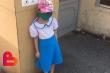 Đi học sớm, trẻ phải ở cổng trường giữa trời 40 độ C: Cô giáo cứng nhắc, vô cảm