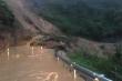 Bị hàng nghìn khối đất vùi lấp, quốc lộ 49 tuyến Huế - A Lưới bị chia cắt