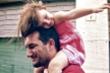 Khoa học chứng minh: Bố nuôi dạy con gái tốt hơn mẹ