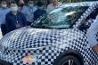 Lộ diện hình ảnh ô tô điện VinFast VF e34 lần đầu xuất hiện trên đường phố