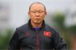 Tuyển Việt Nam tập trung, HLV Park Hang Seo chỉ đạo cầu thủ từ xa