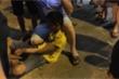 Quay lén cô gái trong nhà vệ sinh, nam thanh niên bị đánh hội đồng