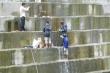 Video: Nước xối xả chảy qua khe nứt đập Sông Tranh 2