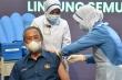 Thủ tướng Malaysia tiêm vaccine COVID-19
