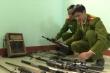 Video: Dân giao nộp gần 200 khẩu súng săn thú