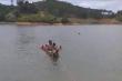Chèo xuồng ra đập câu cá, 3 nam sinh chết đuối thương tâm