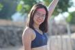 Nữ runner xinh đẹp miệt mài tập luyện trên đường chạy ngoài đảo núi lửa