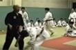 Cao thủ võ truyền điện bị võ sĩ MMA hạ đo ván