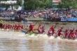 Ảnh: Hai bờ sông ở Sóc Trăng chật kín người cổ vũ đua ghe ngo