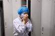 Video: Y tá bật khóc khi bệnh nhân Covid-19 được xuất viện cúi đầu chào