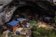 Video: Tộc người sống trong hang động cuối cùng ở Trung Quốc