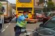 Video: Nghẹt thở khoảnh khắc cảnh sát nổ súng, khống chế tài xế 'xe điên'