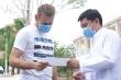 Ảnh: Ba bệnh nhân Covid-19 điều trị ở TP.HCM xuất viện