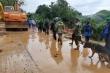 5 chiến sĩ ở Quảng Trị được cứu, nhiều người vẫn bị đất đá vùi lấp
