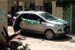 Đỗ xe chặn ngang cửa, Ford Ecosport bị nữ chủ nhà 'dạy cho một bài học'