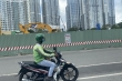 Dân Sài Gòn lúng túng trong ngày đầu cấm xe qua cầu vượt Nguyễn Hữu Cảnh