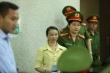 Ảnh: Cảnh sát thắt chặt an ninh, dẫn giải mẹ nữ sinh giao gà đến toà phúc thẩm