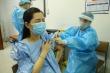 Ảnh: Phụ nữ mang thai trên 13 tuần ở Hà Nội tiêm vaccine COVID-19