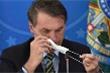 Tổng thống Brazil tháo khẩu trang nói chuyện dù mắc COVID-19