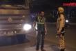 Video: Xe tải 'thải bậy' ở Hà Nội bỗng nhiên 'mất tích', CSGT chỉ phạt được 1 xe