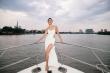 MC Phương Mai khoe vóc dáng săn chắc trên du thuyền