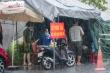 Ảnh: Cán bộ, chiến sĩ Hà Tĩnh dầm mưa tại 'lá chắn' chống dịch COVID-19