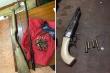 Hai nam thanh niên dùng súng tự chế cướp xe ôm ở Hà Nội