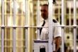 Covid-19: Số người chết cao kỷ lục trong một ngày, Anh phóng thích 4000 tù nhân