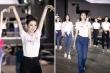 Hoa hậu Đỗ Mỹ Linh và thí sinh Hoa hậu Việt Nam tổng duyệt trước đêm thi