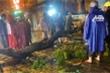 Cây xanh gãy nhánh, đè chết người đi đường trong mưa lớn ở TP.HCM
