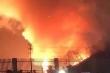 Rừng keo trong doanh trại quân đội bốc cháy dữ dội trong đêm