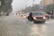 Quốc lộ 1A qua Hà Tĩnh biến thành sông, hàng trăm nhà dân bị ngập