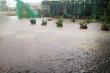 Mưa lớn gây ngập lụt, nhiều tuyến đường bị chia cắt, hàng nghìn học sinh Hà Tĩnh phải nghỉ học