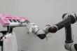 Video: Độc đáo bàn tay robot chơi đàn khéo léo như con người