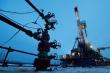 Giá dầu thấp nhất lịch sử: Không có chuyện mua xăng miễn phí