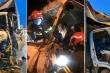 Xe tải tông xe đầu kéo trên cầu Thanh Trì, 3 người trên cabin may mắn thoát chết