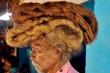 Mái tóc dài gần 2 m của 'dị nhân' 40 năm không cắt tóc, gội đầu bởi 'lời nhắn' từ thần linh