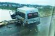 Tai nạn liên hoàn trên cầu Trà Khúc 2, xe khách suýt rơi xuống sông