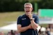 Không tuân thủ cách ly, HLV đội bóng Đức mất quyền chỉ đạo