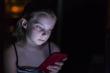 Cảnh báo chứng bệnh lạ, nguy hiểm khi nghiện điện thoại di động
