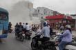Ô tô bốc cháy dữ dội khi vào đổ xăng, nhiều người hoảng sợ