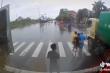 Hai tài xế cầm tuýp sắt đuổi đánh nhau sau va chạm giao thông