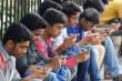 Sinh viên Ấn Độ bị cấm dùng điện thoại di động khi tới trường