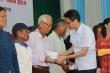 Phó Thủ tướng Vũ Đức Đam tặng quà nạn nhân chất độc da cam ở Phú Yên