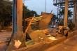Xe container húc đổ cabin trạm thu phí BOT Tân Đệ trong đêm